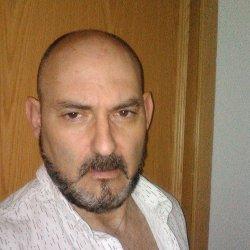 busco relacion gay con tio mas joven en Madrid